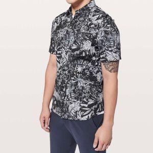 Lululemon Men's All Town Short Sleeve XS